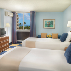 Ewa Hotel Waikiki is packing in the value. // © 2014 Aqua Hospitality