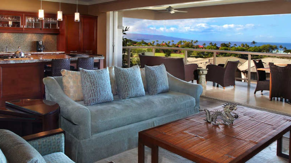 Villas at Fairmont Kea Lani come with private plunge pools. // © 2014 Fairmont Kea Lani Maui F