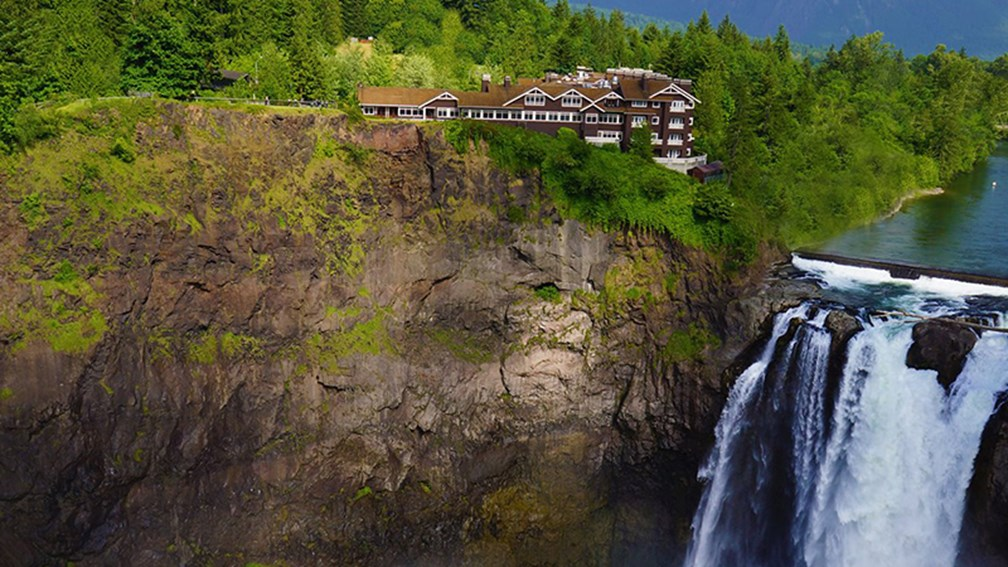 3 hotels with gorgeous views of famous waterfalls travelage west