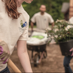 The Ritz-Carlton's Impact Experiences engage guests in socially responsible projects. // © 2016 The Ritz-Carlton Hotel Company