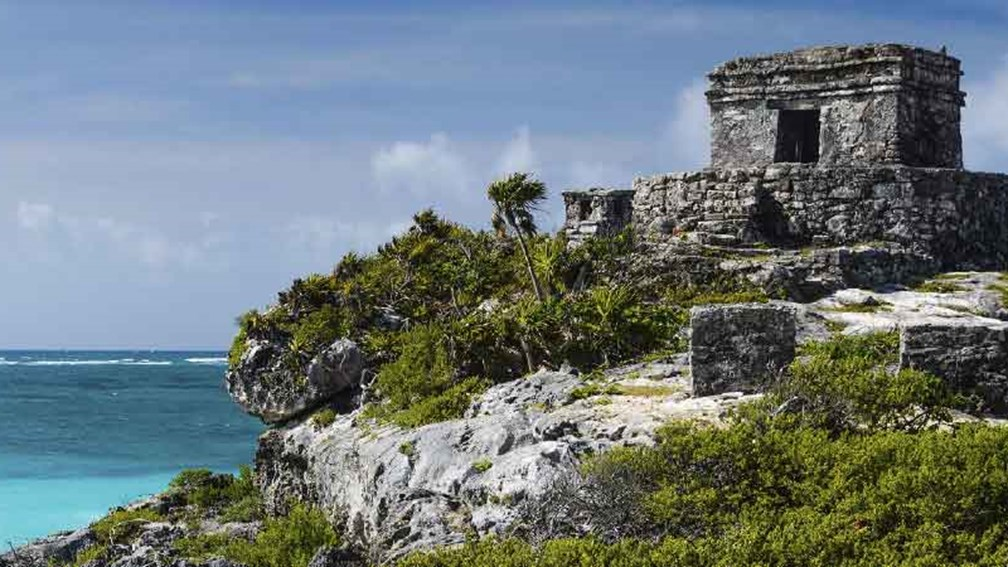 Tulum provides authentic Maya experiences not far from Cancun. // © 2015 Huerta Los Tamarindos 2