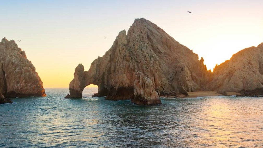 Los Cabos lies on Mexico's Pacific coastline. // © 2015 Fallbrook 2