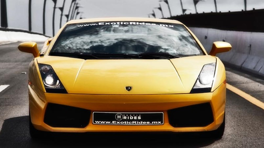 Clients can speed around in a Lamborghini with Exotic Rides Cancun. // © 2013 Exotic Rides Cancun 3
