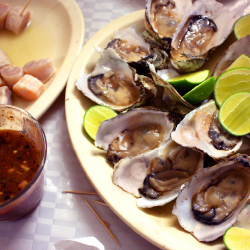 <p>El Cuchupetas offers dishes such as oysters and ceviche. // © 2015 Melita Kuburas</p><p>Feature image (above): La Mazatleca serves traditional and...