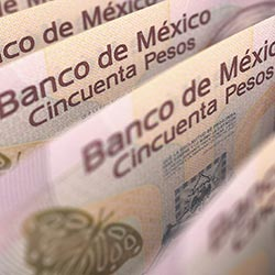 <p>Travel industry leaders in Mexico say that a weak Mexican peso will benefit U.S. tourists. // © 2016 iStock</p><p>Feature image (above): The costs...