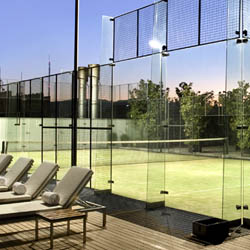 <p>Tennis-loving travelers have a number of options of Mexico hotels featuring one or more tennis courts. // © 2017 Hilton Mexico City...