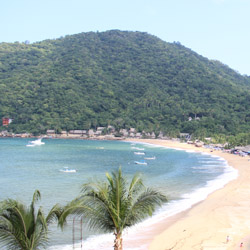 <p>It takes about an hour to reach the fishing village of Yelapa from Nuevo Vallarta. // © 2015 Garrett Kuwahara</p><p>Feature image (above): Los...