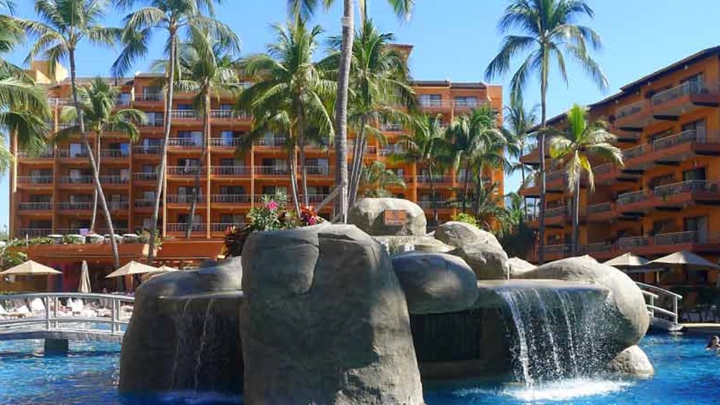 Villa del Palmar has a new look but still retains its charm. // © 2015 Dawna Robertson 2
