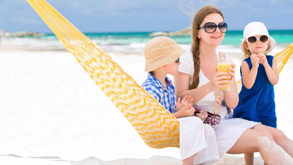 Grand Velas Riviera Maya waves the single supplement for solo parents. // © 2014 Thinkstock 2