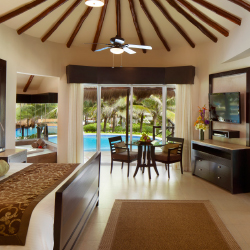 <p>The Presidential Casita Suite features a private pool and an outdoor bed. // © 2017 El Dorado Casitas Royale</p><p>Feature image (above): Twosomes...