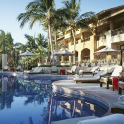 Fiesta Americana Grand Los Cabos offers 249 ocean-facing rooms and suites. // © Fiesta Americana