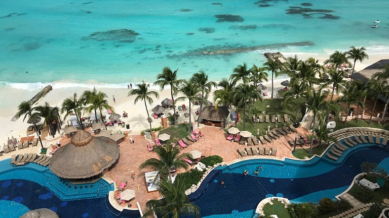 Grand Fiesta Americana Coral Beach Cancun is family-friendly.