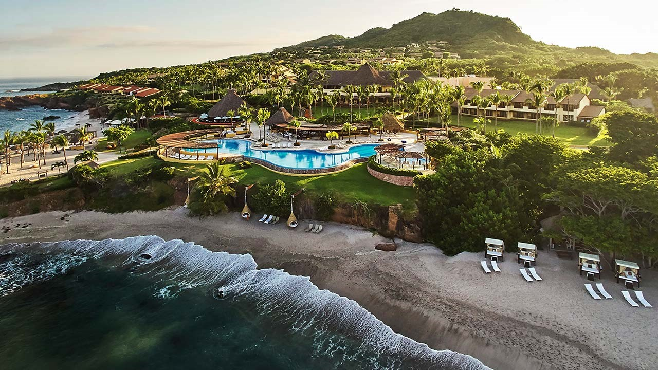 Hotel Review: Four Seasons Resort Punta Mita