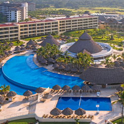 Save on Iberostar packages for travel before Dec. 23. // © 2015 iStock