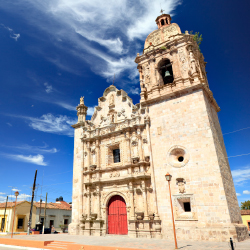 Mazatlan will renovate its Golden Zone. // © 2015 iStock