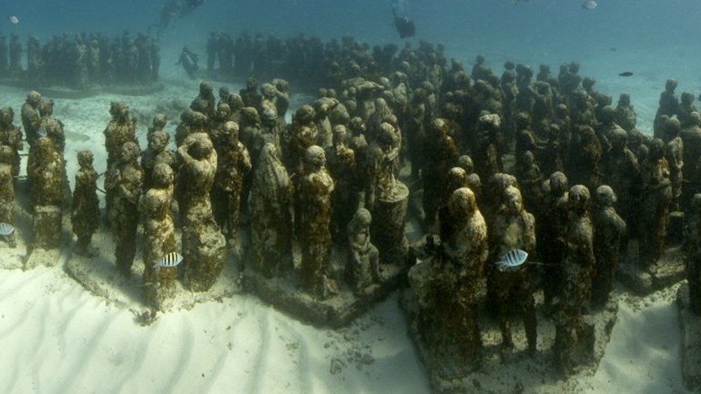 Replicas of the Underwater Museum's artwork are on display at a new visitors center. // © 2013 Jason de Caires Taylor F