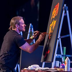 <p>Artist and author Erik Wahl's presentation kicked off the annual sales meeting and trade show on Nov. 5. // © 2015 Signature Travel...
