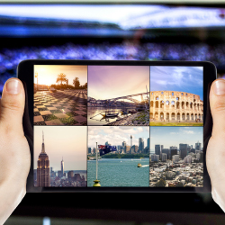 Travelers want both tech and personalized service. // © 2015 iStock
