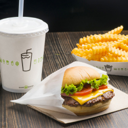 Clients can grab eats at Shake Shack in Terminal 3. // © 2017 Shake Shack