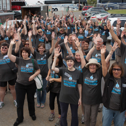 Nearly 400 members helped to renovate three Nashville schools. // © 2013