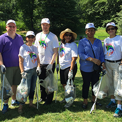 Volunteers helped clean up North Meadow Recreation Center in New York's Central Park. // © 2015 South African Tourism