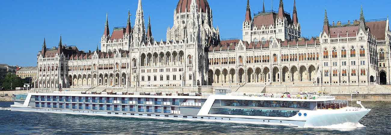 http://www.travelagewest.com/uploadedImages/All_Gateways/River_Cruise/Features/1300x450_130916_CruiseReport.jpg