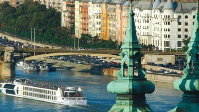 Some Tauck river cruises begin or end in Budapest. // © 2015 Tauck 2