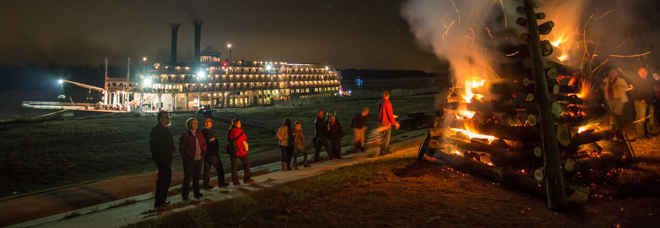 Take a Christmas Market Cruise on the Mississippi