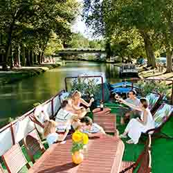 <p>Groups who book European Waterways' Family & Friends Charter Cruises will have plenty of private space onboard. // © 2016 European...