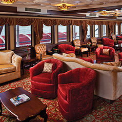 American Cruise Lines' Queen of the Mississippi has seven lounges onboard. // © 2015 American Cruise Lines