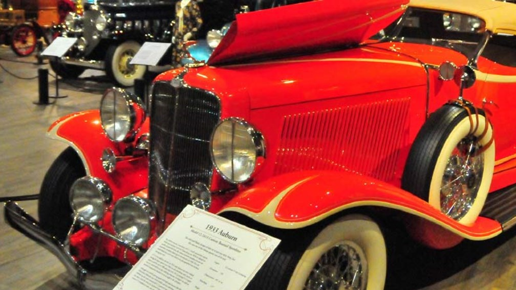 The Fountainhead Antique Auto Museum features more than 80 vintage cars. // © 2015 Christopher Batin 3