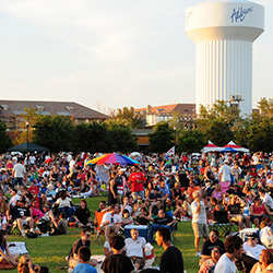 <p>More than half a million guests celebrate Independence Day in Addison every year. // © 2014 Town of Addison</p><p>Feature image (above): The Navy...