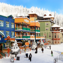 Guests browsing the shops // © 2013 Silver Star Mountain Resort