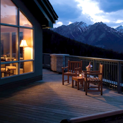 Rimrock Resort offers fine dining and incredible views. // © 2014 The Rimrock Resort Hotel
