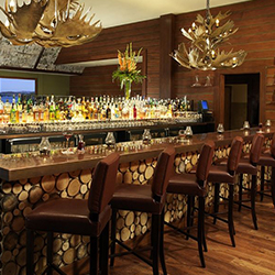 <p>The BIN 189 restaurant at Lake Arrowhead Resort and Spa features rustic and seasonal dishes. // © 2015 Lake Arrowhead Resort and Spa</p><p>Feature...