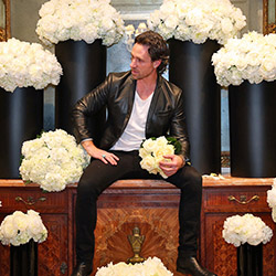 <p>Celebrated floral artist Jeff Leatham has created installations to help support the hotel's updated floral theme. // © 2017 Four Seasons Hotel Los...