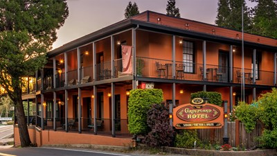Hotel Review: Groveland Hotel Near Yosemite National Park