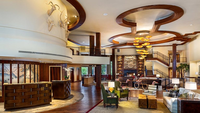 The spacious lobby at Lake Arrowhead Resort and Spa