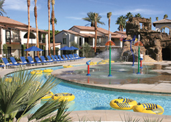 The Splashtopia Lazy River Pool at Rancho Las Palmas Resort & Spa // (c) Rancho Las Palmas Resort & Spa