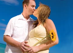 Babymoons are the perfect way for a couple to bond before the baby.  // © 2012 Thinkstock