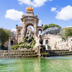 Ciutadella Park houses museums, a lake with this fountain and a zoo that was home to Snowflake, the albino gorilla. In which city is it? // © 2014 Thinkstock/peresanz