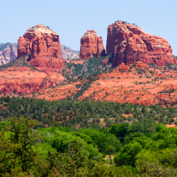 Cathedral Rock is one of the red rocks that attract nature lovers and New Age believers to what town? // © 2014 Thinkstock/Andrew Zarivny