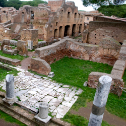 Tourists can see the ruins of Rome's ancient harbor town here. // © 2015 Thinkstock/ Mosaikphotography