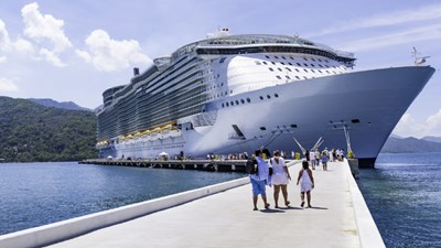 Cruise Ships Commit to Carbon Reduction