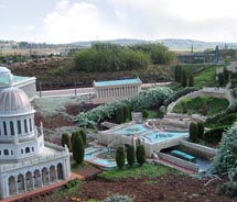 At Mini Israel, incredibly realistic models depict must-see sites. // © 2011 s-ron mckellar