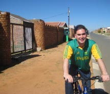 Clients can learn about the modern history of South Africa by cycling around Soweto. // © 2011 South Africa Tourism