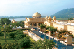 Superior Premiere rooms overlook Lake Pichola at Oberoi Udaivilas. // (c) David Swanson