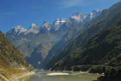 Tiger Leaping Gorge helped the Old Lijian area become a UNESCO World Heritage Site. // (c) Christopher Batin