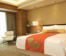 <span>Guestrooms are minimalist yet luxurious. // © 2010 InterContinental Hotel Group</span>