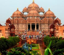 Visits to the Akshardham Temple are a new option for travelers with Sita. // © 2011 Russ Bowling